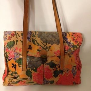 Patricia Nash floral leather shoulder bag pics 2